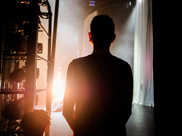 Curtain「Behind The Scenes At The Premiere Of The Northern Ballet's Victoria」:写真・画像(4)[壁紙.com]