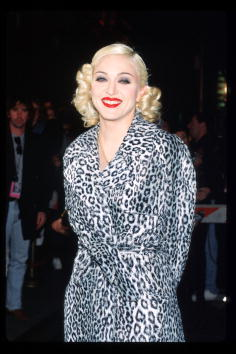 Singer「Madonna Arrives At Her Pajama Party」:写真・画像(7)[壁紙.com]