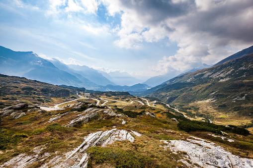 Rusty「serpentine road to the san bernardino pass, switzerland」:スマホ壁紙(2)