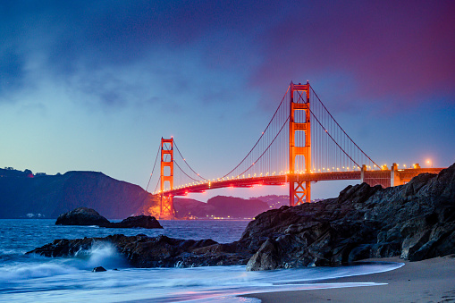 Pacific Ocean「Landmark Golden Gate Bridge in San Francisco at Dusk」:スマホ壁紙(12)