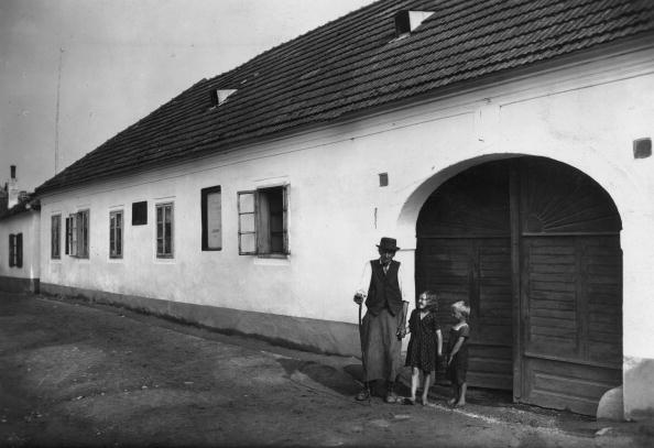 Spencer Arnold Collection「Haydn's Birthplace」:写真・画像(0)[壁紙.com]