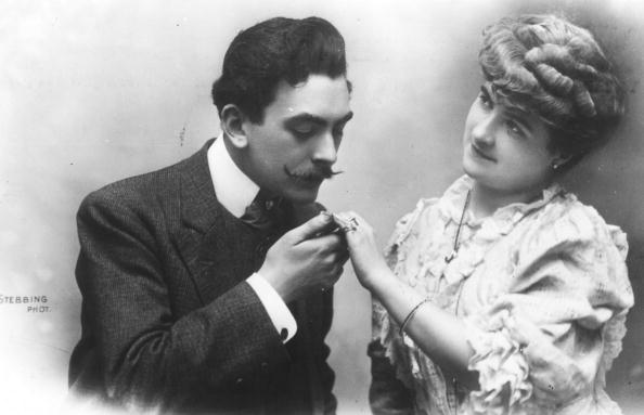 Romanticism「Moustache Kiss」:写真・画像(17)[壁紙.com]