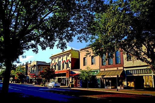 California「Woodland Main Street」:スマホ壁紙(17)