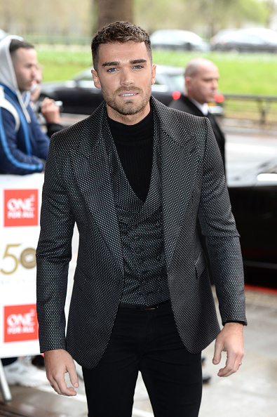無精ヒゲ「'TRIC Awards' 2019 - Red Carpet Arrivals」:写真・画像(13)[壁紙.com]