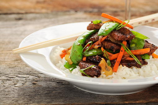 Snow Pea「Stir fry meal including beef, peas, carrots, and rice」:スマホ壁紙(19)
