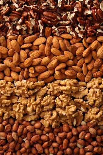 Walnut「Rows of nuts」:スマホ壁紙(9)