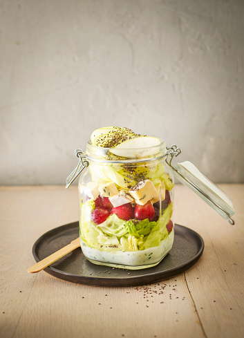 Apple「Preserving jar of iceberg salad with grapes, apple, blue cheese and chia seeds」:スマホ壁紙(10)