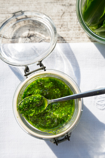 Mash - Food State「Preserving jar of wild garlic pesto on napkin and grey wooden table, view from above」:スマホ壁紙(8)