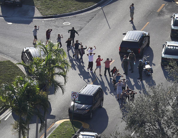 フロリダ州「Shooting At High School In Parkland, Florida Injures Multiple People」:写真・画像(10)[壁紙.com]