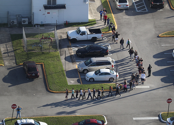 High School「Shooting At High School In Parkland, Florida Injures Multiple People」:写真・画像(15)[壁紙.com]