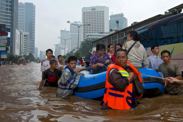 Extreme Weather「Jakarta Floods Displace Thousands」:写真・画像(7)[壁紙.com]