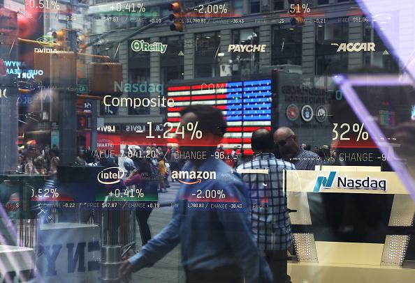 Economy「NASDAQ Falls On Tech Company Earnings Reports」:写真・画像(12)[壁紙.com]