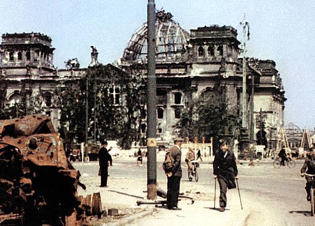 WW II Berlin 1945:ニュース(壁紙.com)