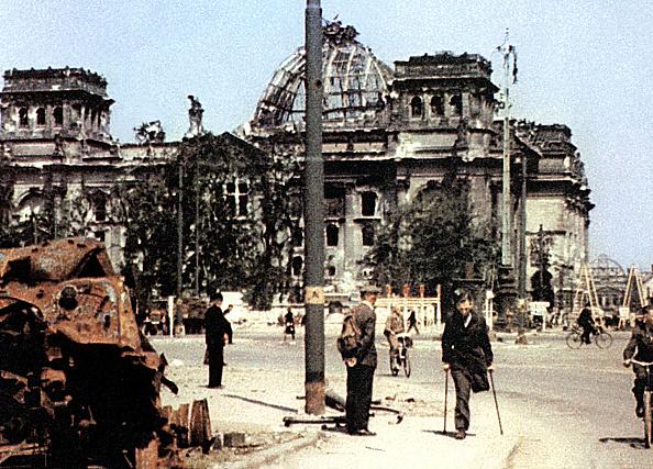 Ruined「WW II Berlin 1945」:写真・画像(19)[壁紙.com]