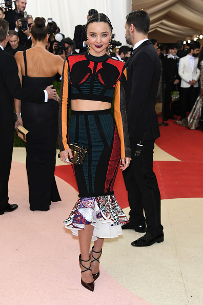 ミランダ・カー「'Manus x Machina: Fashion In An Age Of Technology' Costume Institute Gala - Arrivals」:写真・画像(12)[壁紙.com]