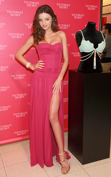 Victoria's Secret Fantasy Bra「Miranda Kerr Unveils Victoria's Secret's 2011 Fantasy Treasure Bra」:写真・画像(13)[壁紙.com]
