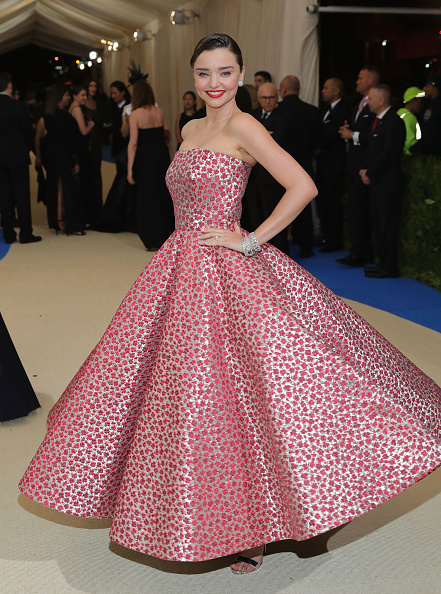 Miranda Kerr「'Rei Kawakubo/Comme des Garcons: Art Of The In-Between' Costume Institute Gala - Arrivals」:写真・画像(11)[壁紙.com]