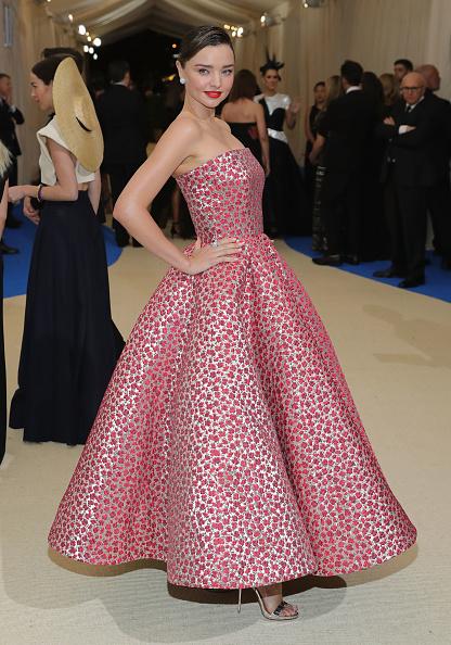 Miranda Kerr「'Rei Kawakubo/Comme des Garcons: Art Of The In-Between' Costume Institute Gala - Arrivals」:写真・画像(0)[壁紙.com]