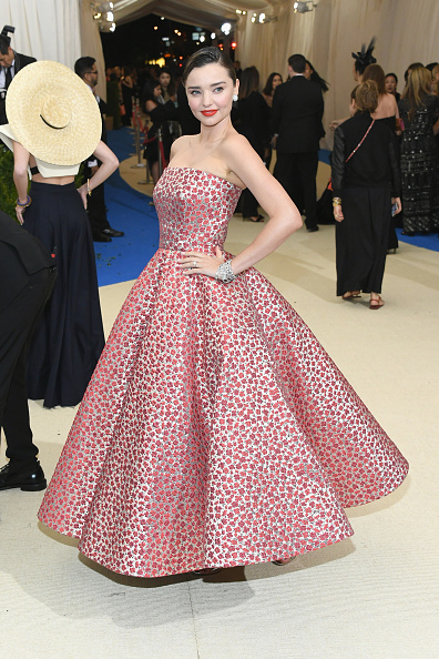 Miranda Kerr「'Rei Kawakubo/Comme des Garcons: Art Of The In-Between' Costume Institute Gala - Arrivals」:写真・画像(18)[壁紙.com]