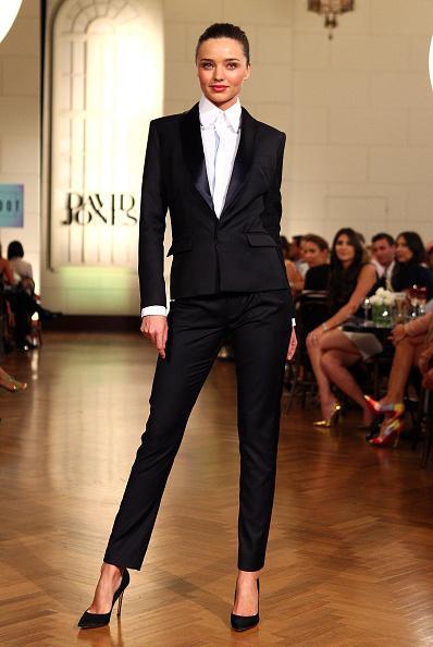 Black Suit「David Jones Autumn/Winter 2012 Season Launch - Show」:写真・画像(2)[壁紙.com]