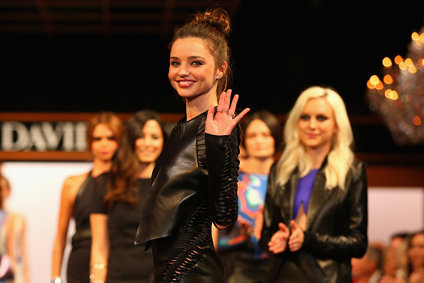 Miranda Kerr「David Jones Autumn/Winter 2013 Fashion Launch - Catwalk」:写真・画像(19)[壁紙.com]