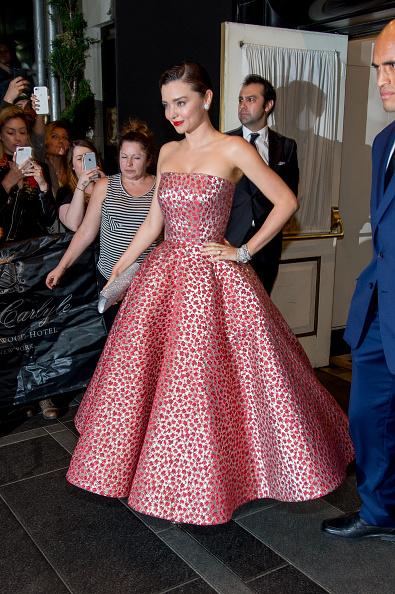 Miranda Kerr「'Rei Kawakubo/Comme des Garcons: Art Of The In-Between' Costume Institute Gala - Sightings」:写真・画像(1)[壁紙.com]