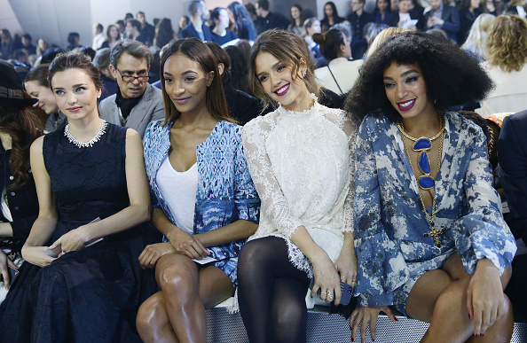 Miranda Kerr「H&M : Front Row  - Paris Fashion Week Womenswear Fall/Winter 2014-2015」:写真・画像(1)[壁紙.com]