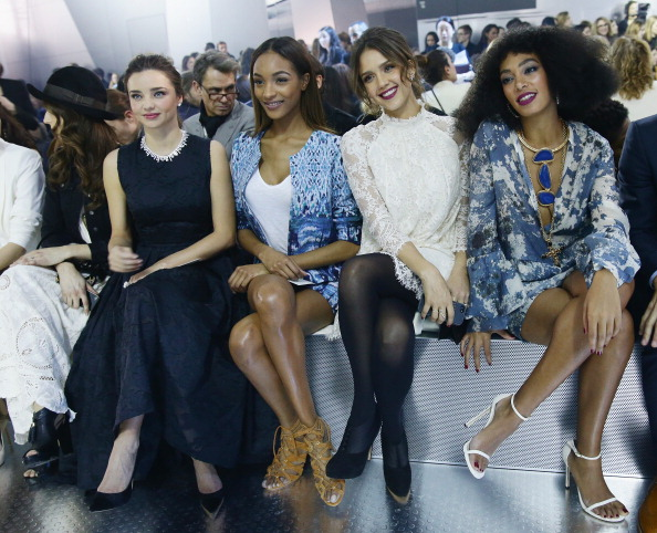 ミランダ・カー「H&M : Front Row  - Paris Fashion Week Womenswear Fall/Winter 2014-2015」:写真・画像(3)[壁紙.com]