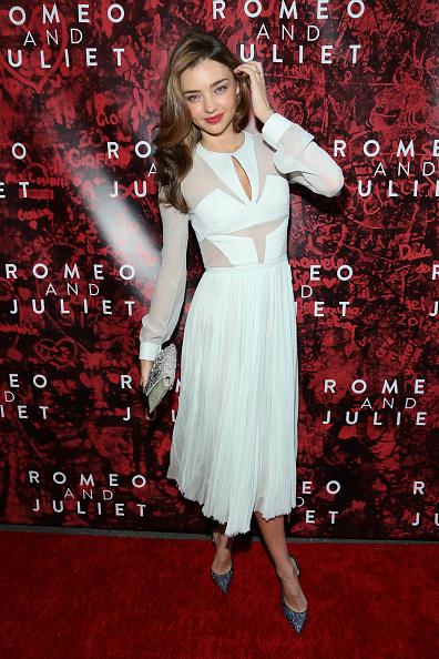 ミランダ・カー「'Shakespeare's Romeo And Juliet' Broadway Opening Night - Arrivals And Curtain Call」:写真・画像(13)[壁紙.com]