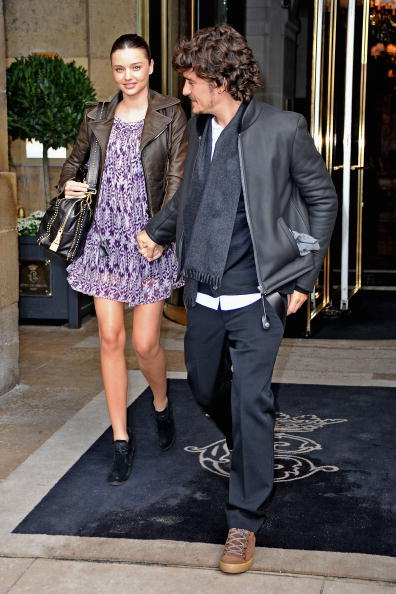 Miranda Kerr「Balenciaga - Arrivals Paris Fashion Week Spring/Summer 2011」:写真・画像(17)[壁紙.com]
