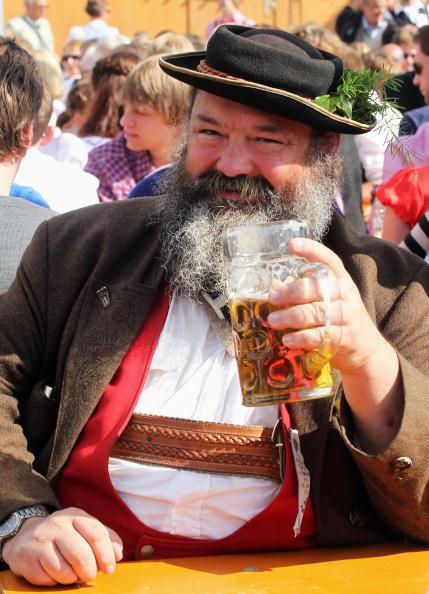 Celebratory Toast「Oktoberfest 2010 - Day 2」:写真・画像(16)[壁紙.com]