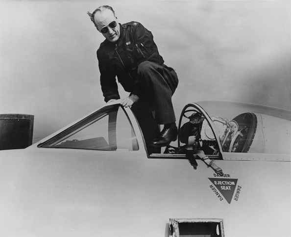 Recreational Pursuit「Hawker Hunter Tests」:写真・画像(4)[壁紙.com]