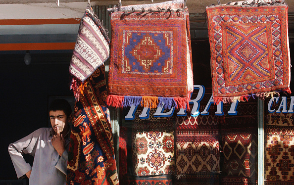 Rug「Afghanis Make A Life While Country Rebuilds」:写真・画像(8)[壁紙.com]