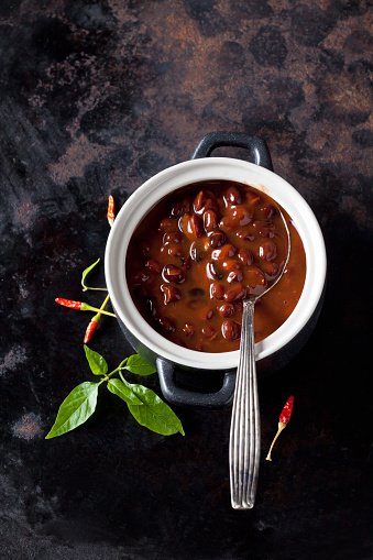 Chili Sauce「Tureen of black bean soup with chili pepper」:スマホ壁紙(11)
