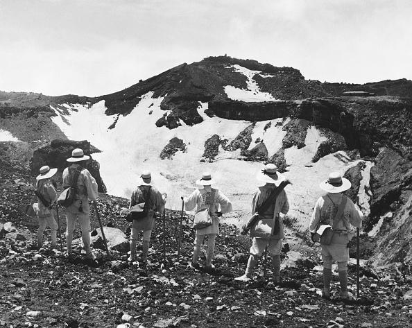Mount Fuji「Mount Fuji Pilgrims」:写真・画像(19)[壁紙.com]