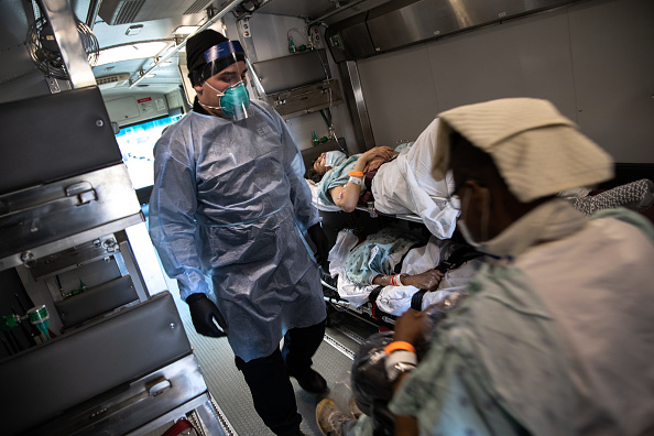 Emergency Services Occupation「Tri-State EMS Workers Confront Growing Number Of Coronavirus Cases」:写真・画像(14)[壁紙.com]