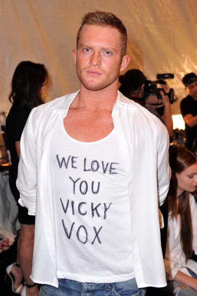 Stephen Lovekin「August Getty - Backstage - Mercedes-Benz Fashion Week Spring 2015」:写真・画像(16)[壁紙.com]