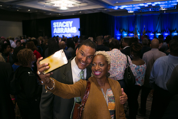 Brian Cook「Georgia Democratic Gubernatorial Candidate Stacey Abrams Holds Election Night Event In Atlanta」:写真・画像(19)[壁紙.com]