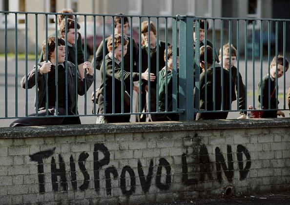 Graffiti「British Army Patrol In Bandit Country Around Crossmaglen, County Armagh」:写真・画像(17)[壁紙.com]