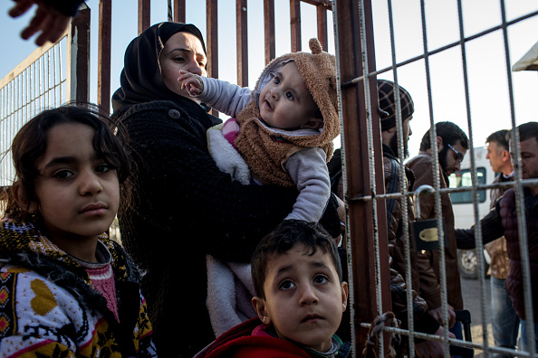 Turkey - Middle East「Turkish Border Remains Closed To Syrians Seeking Refuge From Escalating Violence」:写真・画像(14)[壁紙.com]