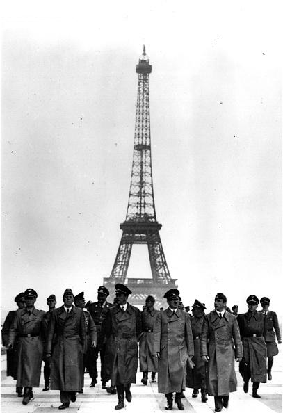1940-1949「Hitler In Paris」:写真・画像(15)[壁紙.com]