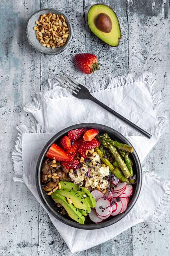Pine Nut「Veggie bowl with quinoa, vegetables, feta, strawberries, avocado, pine nuts and cress」:スマホ壁紙(15)