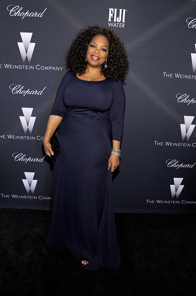 Oprah Winfrey「FIJI Water At The Weinstein Company's Academy Awards Nominees Dinner In Partnership With Chopard, DeLeon Tequila, FIJI Water And MAC Cosmetics」:写真・画像(4)[壁紙.com]