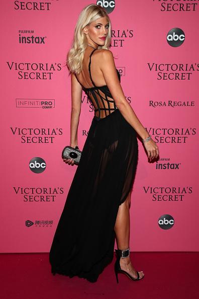 フロアレングス「2018 Victoria's Secret Fashion Show in New York - After Party Arrivals」:写真・画像(14)[壁紙.com]