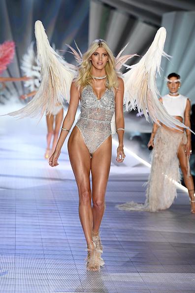 Victoria's Secret「2018 Victoria's Secret Fashion Show in New York - Runway」:写真・画像(4)[壁紙.com]