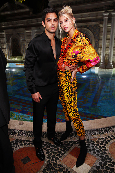 Astrid Stawiarz「What Goes Around Comes Around 25th Anniversary Celebration At The Versace Mansion With a Retrospective Tribute To Gianni Versace」:写真・画像(6)[壁紙.com]