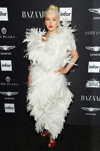 "Christina Aguilera「Harper's BAZAAR Celebrates ""ICONS By Carine Roitfeld"" At The Plaza Hotel Presented By Infor, Estee Lauder, Saks Fifth Avenue, Fujifilm Instax, Genesis, And Stella Artois - Arrivals」:写真・画像(16)[壁紙.com]"