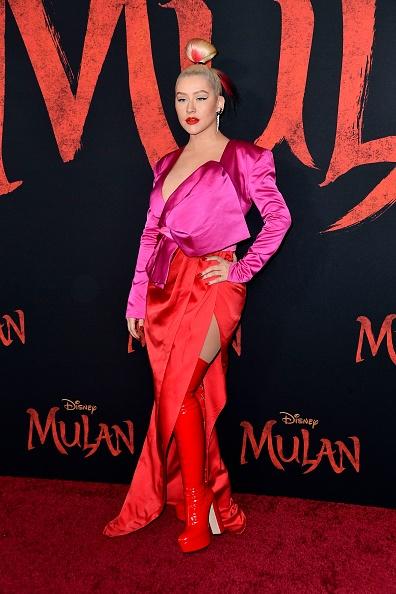 """Hot Pink「Premiere Of Disney's """"Mulan"""" - Arrivals」:写真・画像(12)[壁紙.com]"""