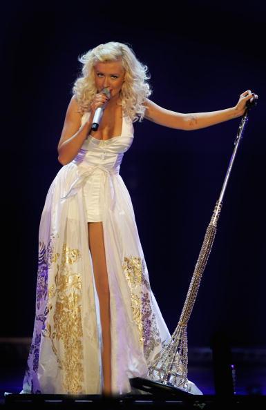 Back To Basics - Album Title「Christina Aguilera Plays Wembley Arena」:写真・画像(1)[壁紙.com]