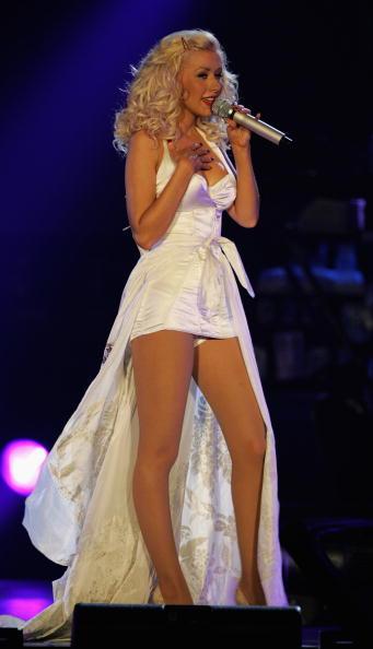 Back To Basics - Album Title「Christina Aguilera Plays Wembley Arena」:写真・画像(2)[壁紙.com]